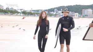 바닷가 서핑 촬영 비하인드